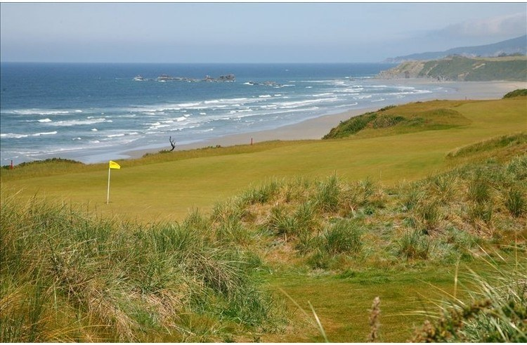 Visit our house by Bandon Dunes, one of the top golf resorts in the world!