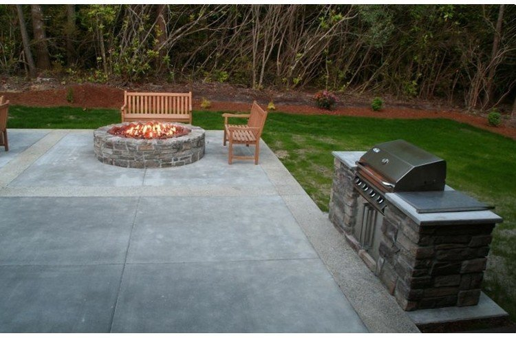 Fire-pit and stainless steel gas grill